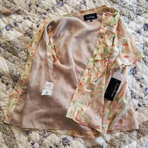 Evan Picone Tops - Evan Picone Petite Wavy Abstract Floral Blouse
